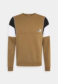 JCOFIERCE CREW NECK  - Sweatshirt - kangaroo/relaxed