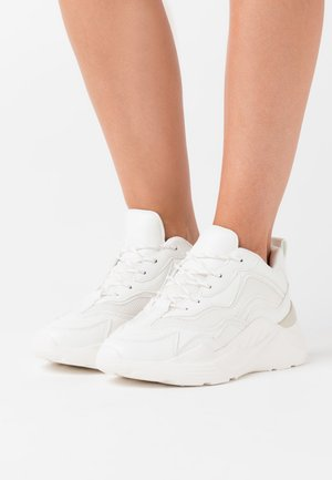 CANCUN CHUNKY TRAINER - Baskets basses - white