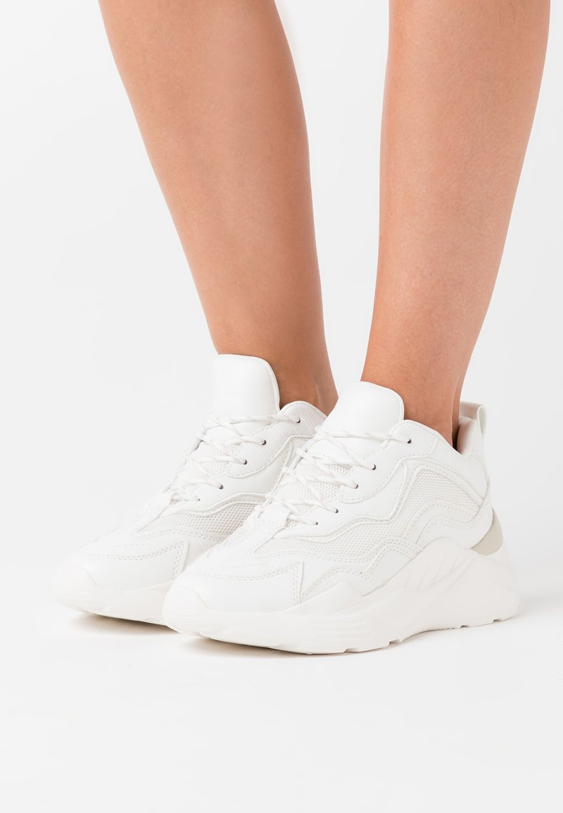 Topshop - CANCUN CHUNKY TRAINER - Sneaker low - white