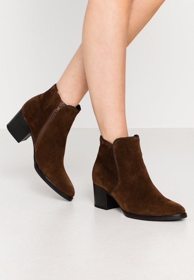 Ankle boots - whisky