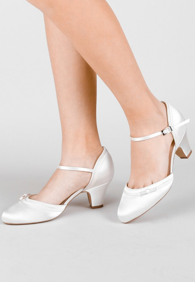 ARLEIGH - Bridal shoes - white