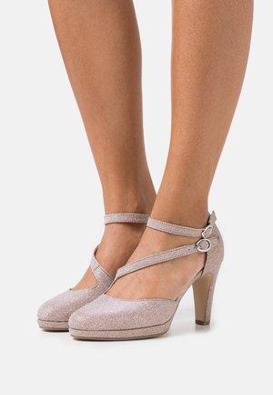 Zapatos altos - rosato