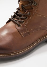 Base London - HIDE - Lace-up ankle boots - pull up tan - 5