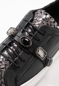 Tosca Blu - MARY - Sneakers laag - argento\nero - 2