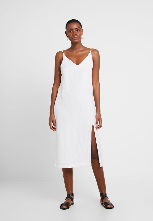 SPIRITANIMAL BLEND SLIP DRESS - Denní šaty - white