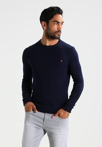 Farah - THE ROSECROFT CREW NECK  - Stickad tröja - true navy - 0