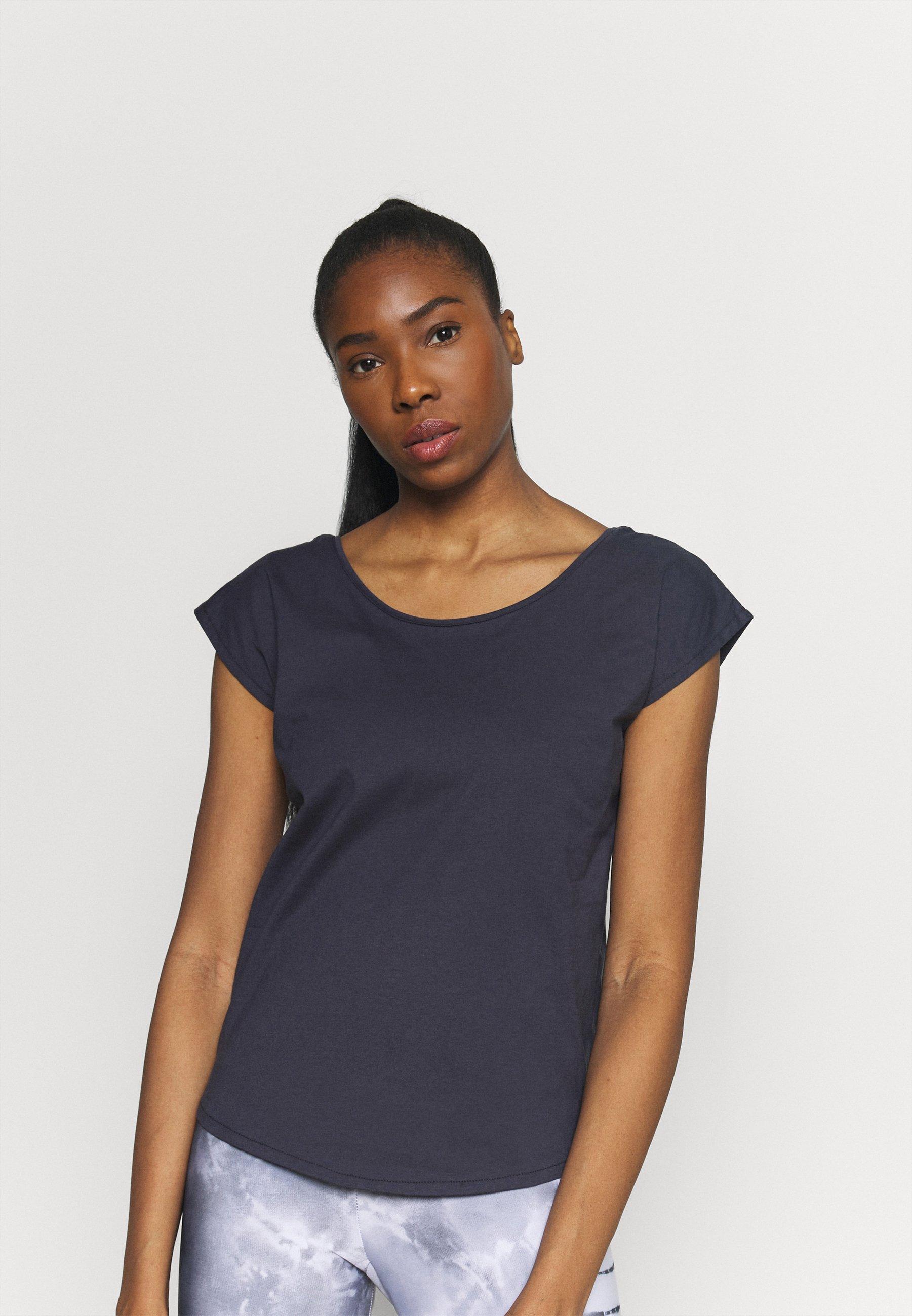 Women UTTANA - Basic T-shirt