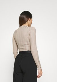 Missguided Petite - BUTTON CUFF CREW NECK BODY - Jumper - sand - 2