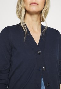 Marc O'Polo - CARDIGAN LONG SLEEVE V-NECK BUTTON CLOSURE - Cardigan - dark night - 5