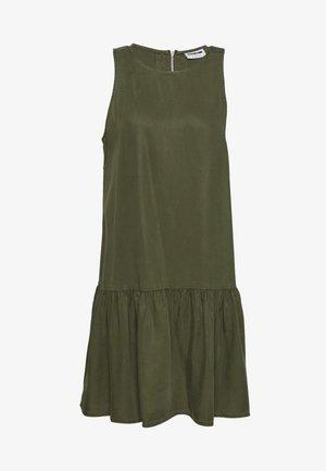 NMEMILIA ENDI PEPLUM DRESS - Kjole - olive night