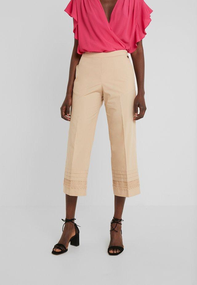 Pantaloni - nougat