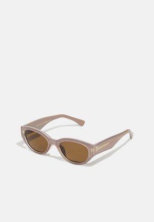 WINNIE - Sunglasses - light grey