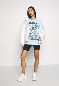 NEW girl ORDER - NEED HUGS  LONG SLEEVE TEE - Topper langermet - white - 1