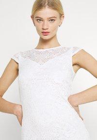 Vila - VIEDELLE CAPSLEEVE DRESS - Pouzdrové šaty - snow white - 3