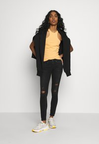 ONLY - ONLCORAL - Jeans Skinny Fit - black - 1
