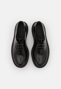 Office - FREEING CHUNKY SOLED LACE UP - Derbies - black - 5