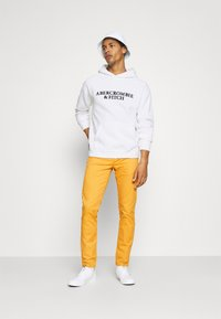 Abercrombie & Fitch - Sweatshirt - white - 1