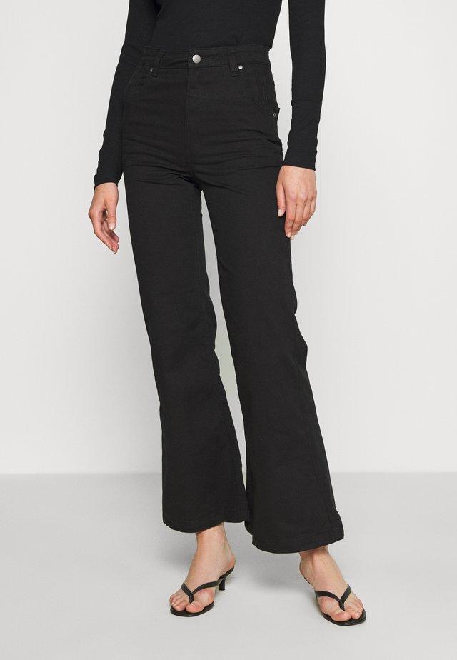 MARSHA - Široké džíny - black