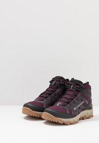 Columbia - PEAKFREAK X2 MID OUTDRY - Hiking shoes - black cherry/columbia grey - 3