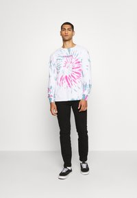 Primitive - STARWATCHER WASHED TEE - Long sleeved top - white - 1