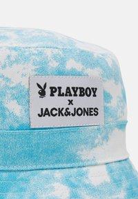 Jack & Jones - JACPLAYER BUCKET HAT - Hat - white - 3