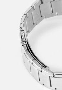 Guess - LADIES TREND - Reloj - silver-cloured - 3