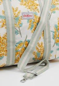 Cath Kidston - FOLDAWAY OVERNIGHT BAG SET - Taška na víkend - warm cream - 7