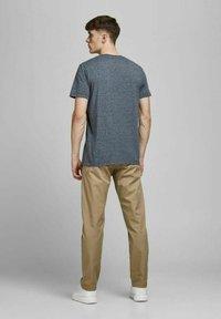 Jack & Jones - Basic T-shirt - navy blazer - 2