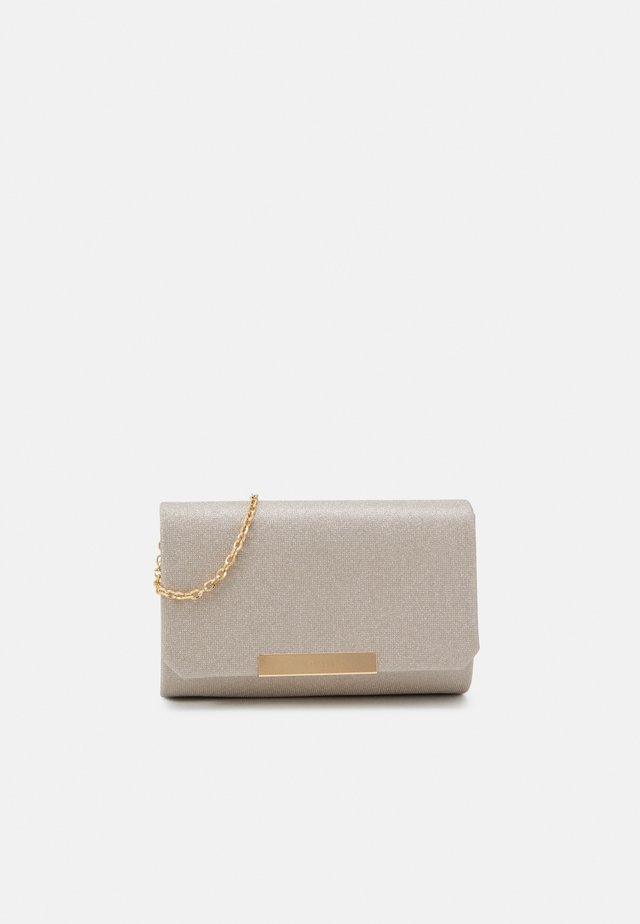 Clutches - champagne