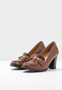 Wallis - CONQUER - Classic heels - toffee - 4