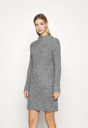 JDYABIA DRESS - Sukienka dzianinowa - grey melange