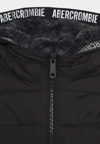 Abercrombie & Fitch - COZY PUFFER - Winter jacket - black - 2