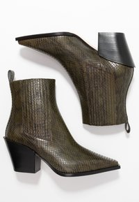 Aeyde - KATE  - Cowboy/biker ankle boot - green - 3