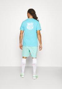 Nike Performance - FC BARCELONA SHORT - Club wear - tropical twist - 2