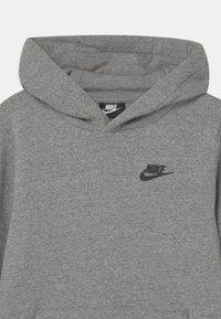 Nike Sportswear - REGRIND UNISEX - Huppari - mottled dark grey - 2