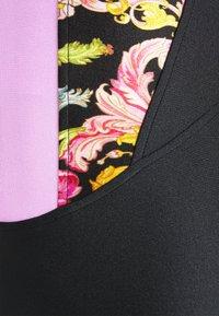 Versace Jeans Couture - LADY BUSTIER - Triko spotiskem - black - 6