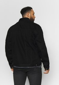 Common Kollectiv - PLUS DISTRESSED JACKET - Denim jacket - black - 2