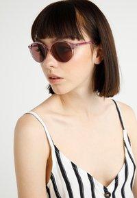 Ray-Ban - Sunglasses - trasparent/pink - 1