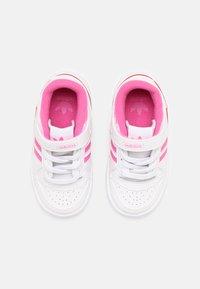 adidas Originals - FORUM UNISEX - Sneakers basse - white/screaming pink - 3