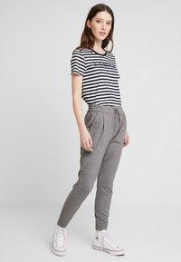 Vero Moda - VMEVA LOOSE STRING PANTS - Trousers - medium grey - 1