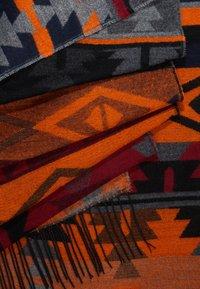 Pieces - Sjaal - exuberance - 2