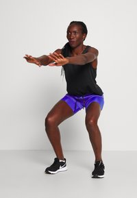 Nike Performance - 2IN1 SHORT - Pantalón corto de deporte - sapphire/light thistle/reflective silv - 1
