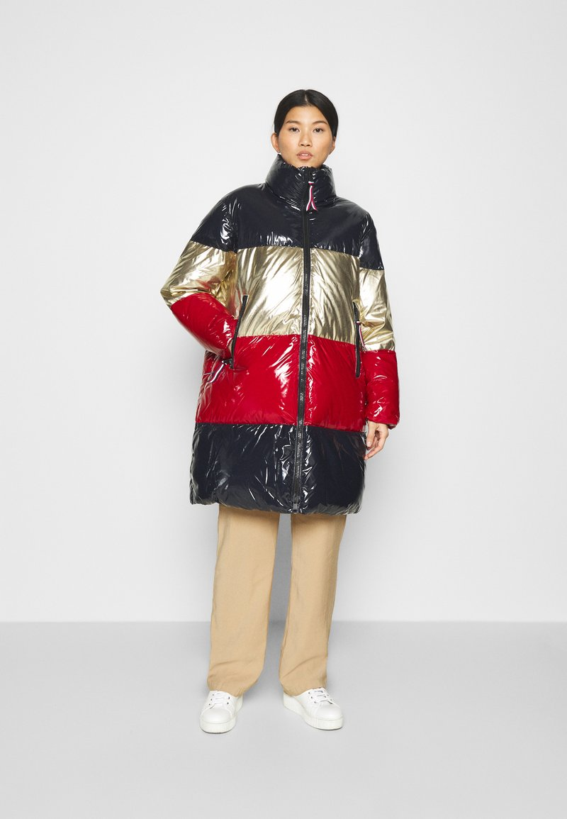 Tommy Hilfiger - COLORBLOCK MAXI - Down coat - desert sky/gold/arizona red