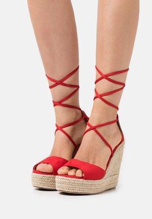 WIDE FIT MAREA - Sandalen met hoge hak - red