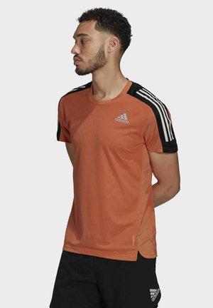 OWN THE RUN  - Print T-shirt - orange