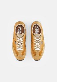 North Star - RUNNER - Sneakers - mustard - 3