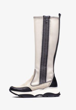 ANDES - Platform boots - beige, black