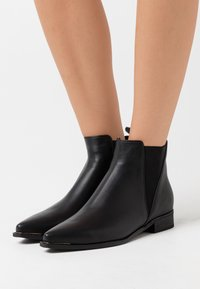 Shoe The Bear - MIHO CHELSEA - Classic ankle boots - black - 0
