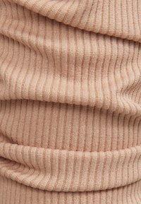 Bershka - MIT SCHULTERPOLSTERN - Long sleeved top - beige - 5