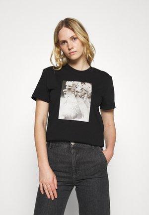 EGADI - Camiseta estampada - black